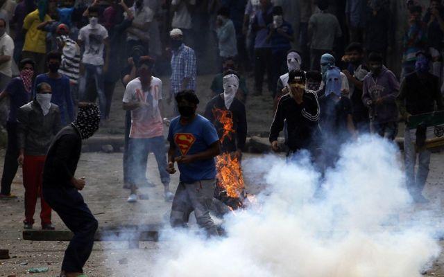 भारत प्रशासित कश्मीर में प्रदर्शन