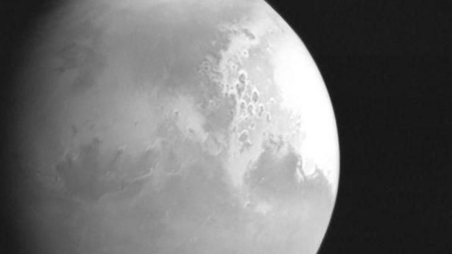 """火星探測器""""天問一號""""在220萬公里的距離拍攝的火星圖片"""