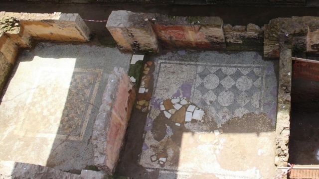 Italy unearths huge Roman barracks during Rome metro dig