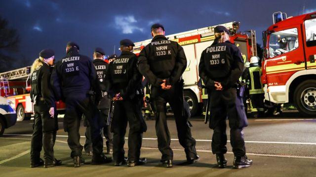 محافظت پلیس از هتلی که اعضای تیم بورسیا دورتموند بعد از حمله در آن اقامت کردند