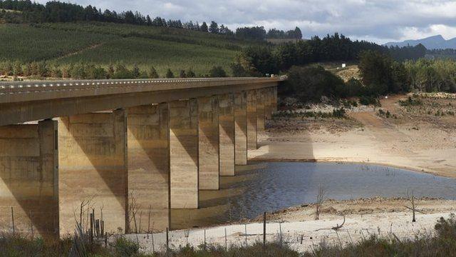Presa de Theewaterskloof en Sudáfrica