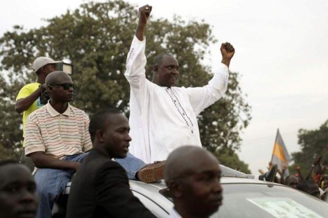 Adama Barrow alipata kura 263,515