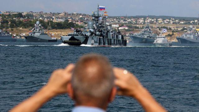 Украина и большинство стран мира считают, что Россия незаконно аннексировала Крым