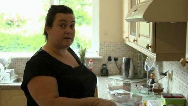 Celena em sua cozinha