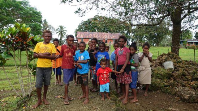 所罗门群岛拥有990多个岛屿,人口分布极其分散。(photo:BBC)