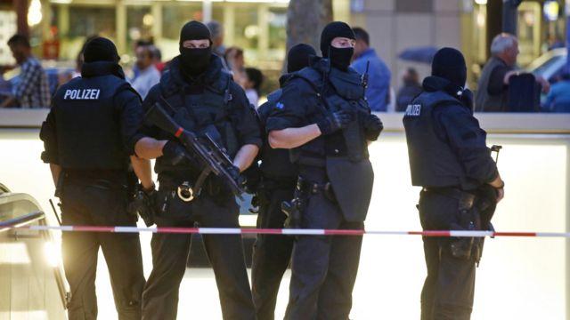 Policías alemanes desplegados en Múnich.