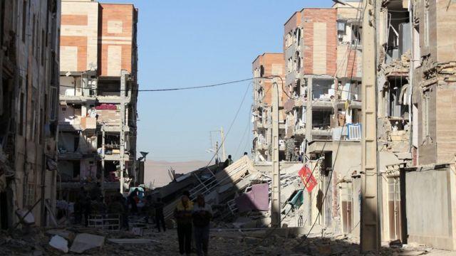 خسارات گسترده در سرپل ذهاب - زلزله زمانی که بسیاری از مردم خانه بودند اتفاق افتاد