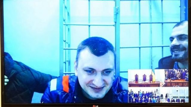 Павло Аброськін почепив на одяг емблему, схожу на прапор Росії