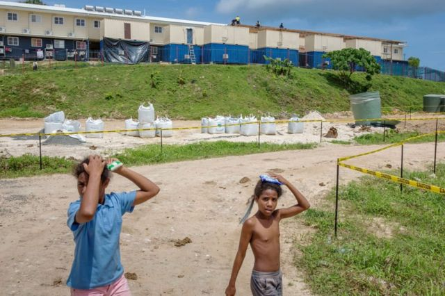 مركز احتجاز اللاجئين في جزيرة مانوس