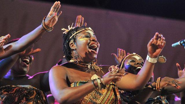 Les chercheurs affirment qu'assister à des concerts peut avoir un impact positif sur notre santé.