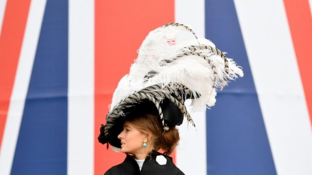 Extreme headwear at Ascot