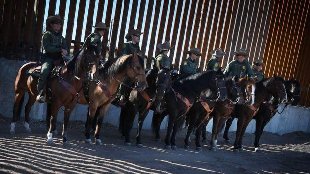 米国は最近、南部国境に壁を建設する第1段階に着手した