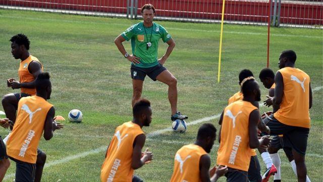 Herve Renard en entrainement avec la sélection ivoirienne le 22 janvier 2015 à Malabo