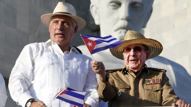 دعم راؤول كاسترو ميغيل دياز-كانيل وأعده لخلافته