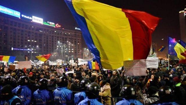 Abari mu myiyerekano biyamiriza reta muri Rumania