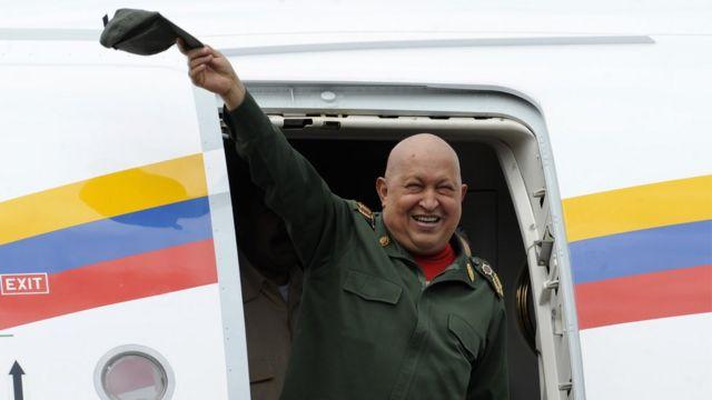 Hugo Chávez hizo todo su tratamiento contra el cáncer en Cuba.