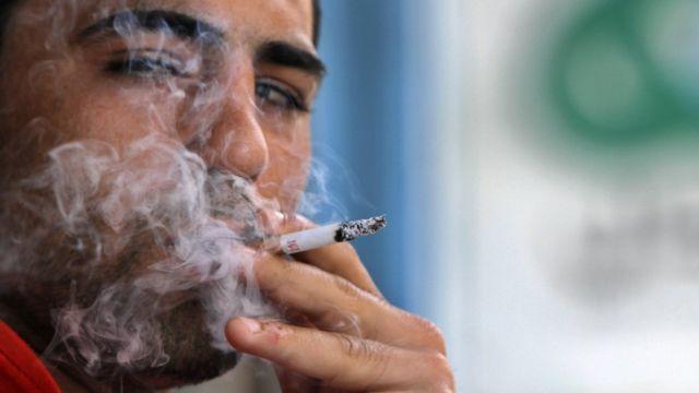 مصريين يستقبلون #أسعار_السجائر_الجديدة بالسخرية