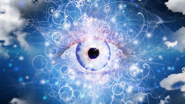 Una ilustración de un ojo gigante entre las nubes