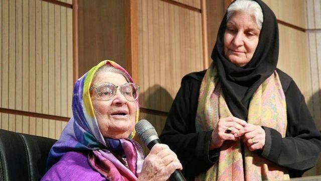 نام لیلی آهی را غالبا در کنار توران میرهادی یا به قول خانم آهی «قهرمان فرهنگنامه کودک» در ایران می بینیم
