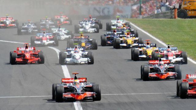 Carrera de F1 en Barcelon durante los años 90.