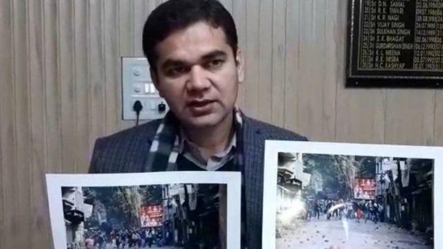 રામપુર એસએસપી અજય પાલ શર્માને હિંસામાં શામેલ સંદિગ્ધ લોકોની તસવીર જાહેર કરી છે.