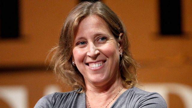 """Quién es Susan Wojcicki, la """"sexta mujer más poderosa del mundo"""" (y por qué  gracias a su garaje existe Google) - BBC News Mundo"""