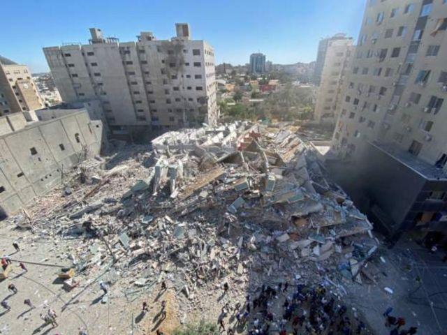 Menara Jala hancur akibat serangan Israel.