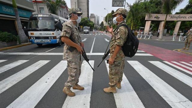 Ejército en la calle