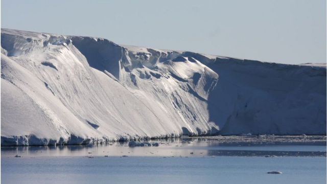 Rocks record Totten Glacier's rapid retreat history