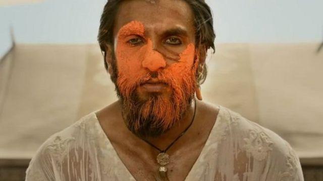 பத்மாவதி திரைப்படத்தில் அலாவுதீன் கில்ஜி காதாபாத்திரத்தில் ரண்வீர் சிங்