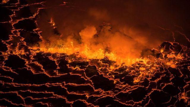 Le Nyiragongo est en éruption permanente depuis 2002.