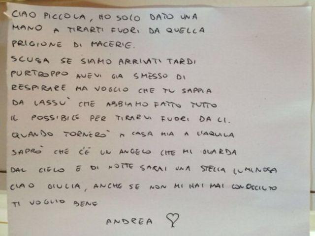 La carta que uno de los bomberos dejó sobre el féretro de una niña