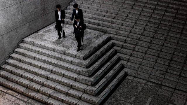 """Менеджер-иностранец испытывает соблазн отметить прогресс сотрудника похвалой, но это приведет лишь к тому, что обе стороны """"потеряют лицо"""""""