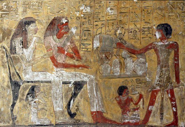 Obra em homenagem ao deus Ptah, que é mostrado no canto superior esquerdo, sentado em um santuário diante de uma mesa repleta de ofertas de comida. 19ª Dinastia, por volta de 1200 AC