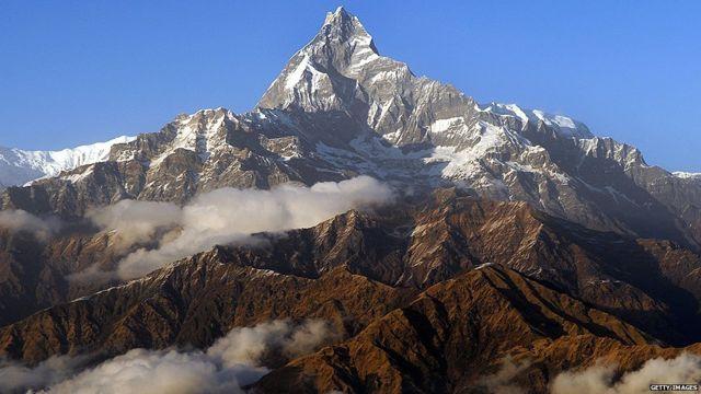 یتی در کتاب و فیلمهای بسیاری از جمله کتاب کمیک تن تن در تبت نشان داده شده است.