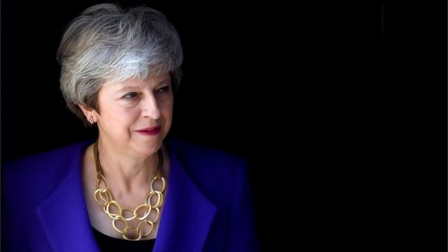 News Daily: PM 'to set exit date', and dog lead warning