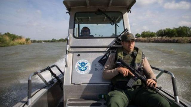 रियो ग्रैंड रिवर समेत सीमा की अमरीकी बॉर्डर पेट्रोल करती रही है निगरानी