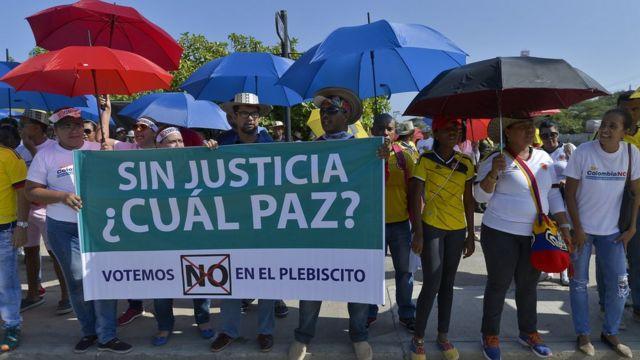 """Partidarios del """"No"""" al acuerdo de las FARC."""