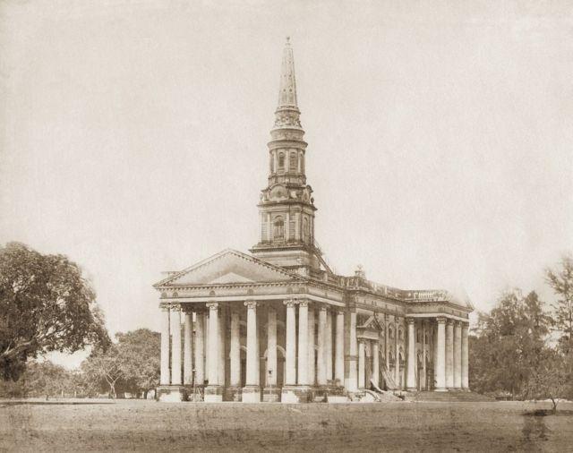 1865இல் சென்னையிலுள்ள செயின்ட் ஜார்ஜ் கதீட்ரல் கட்டடத்தின் தோற்றம்.