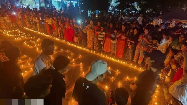 Người Myanmar tưởng niệm các nạn nhân thiệt mạng trong các cuộc biểu tình sau đảo chính