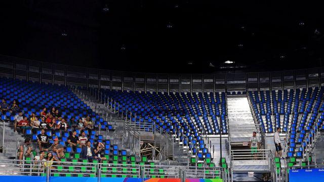 Cadeiras vazias no Riocentro