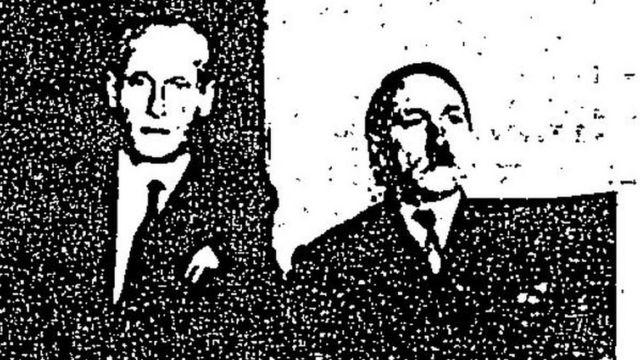 Phillip Citroen ve Adolf Hitler olduğunu iddia eden kişinin pasaport fotoğrafı