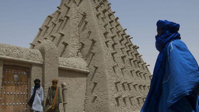 يتحدث أغ محمد علي سبع لغات بالرغم من أنه لا يعرف القراءة والكتابة Getty Images