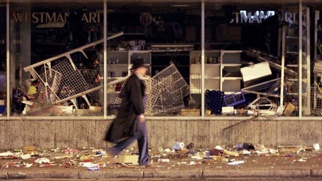 Destrozos tras disturbios