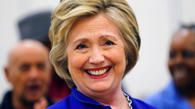 「クリントン候補」は過去9年続いてきた(6日、カリフォルニア州で)