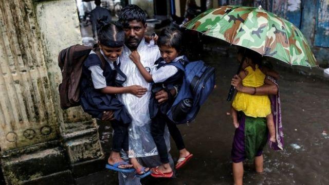 ムンバイを擁する西部マハラシュトラ州ではモンスーン期の大雨が続いている(今月1日)