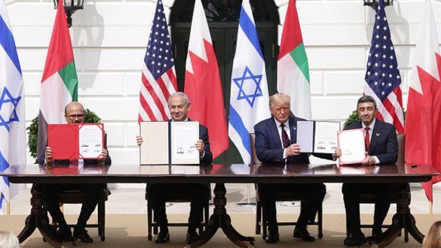 Израиль, Бахрейн и ОАЭ при посредничестве Дональда Трампа подписали мирный договор