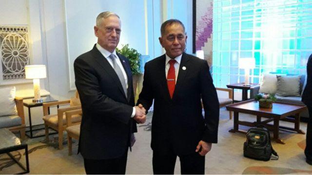 Menteri Pertahanan AS James Mattis secara khusus menemui Menhan RI Ryamizard Ryacudu di Filipina untuk menyampaikan permintaan maaf.