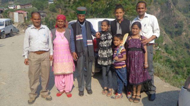 सुषमा वर्मा अपने परिवार के साथ