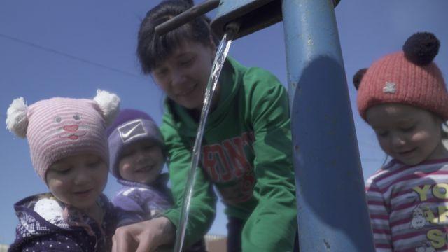 Министр труда сообщил, что около 80% семей, которые находятся за чертой бедности это семьи с детьми